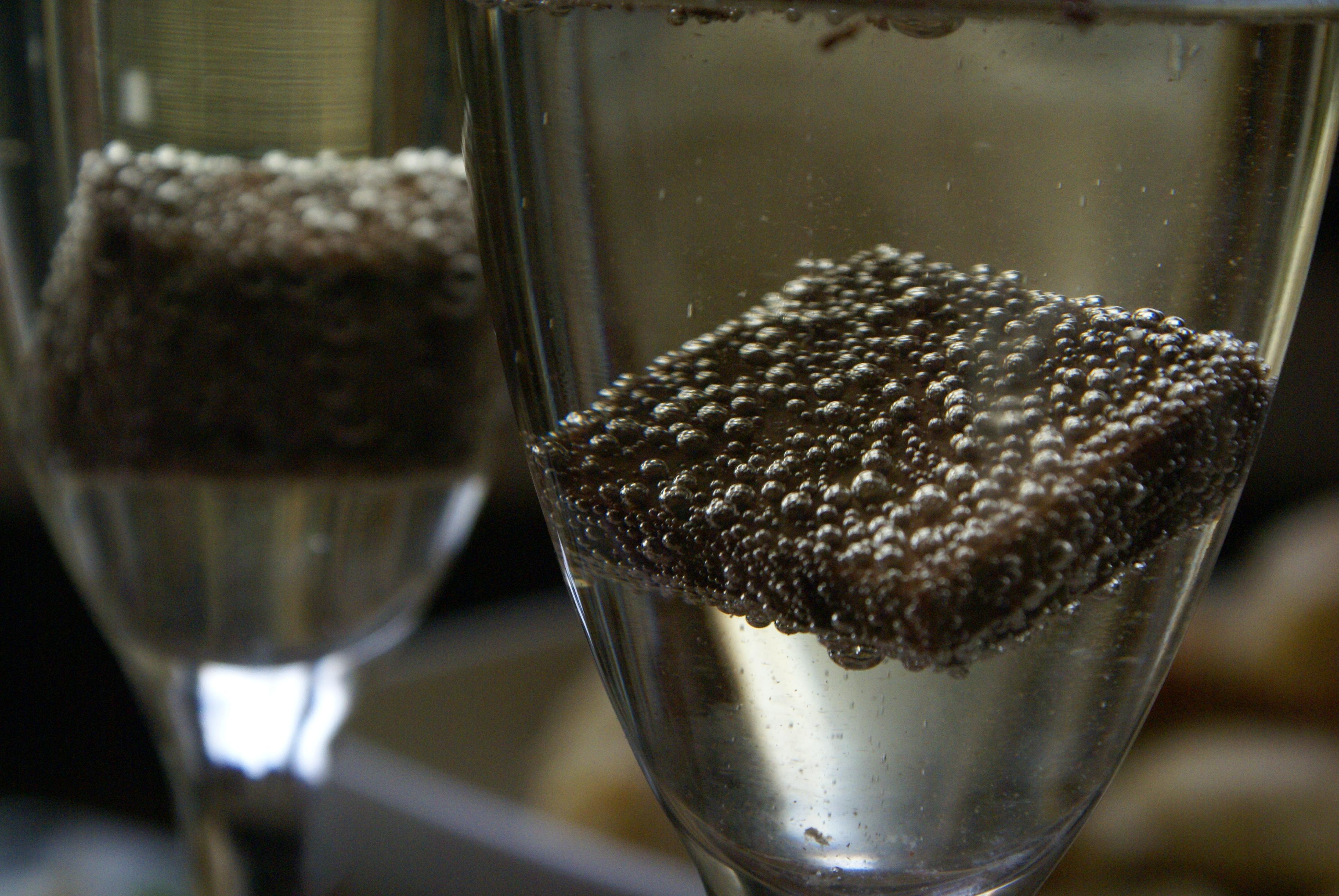Шоколад и шампанское - не лучшее сочетание