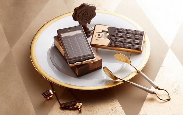 Мобильный телефон с дизайном шоколадки