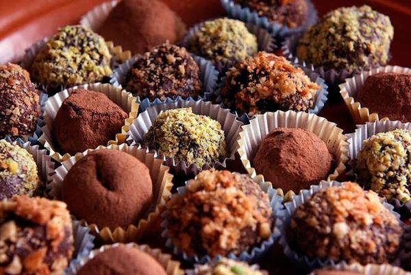 """Шоколадные лакомства к новогоднему столу """" Шоколад"""