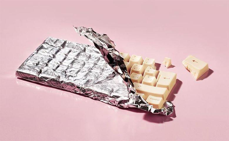 Клавиатура из белого шоколада